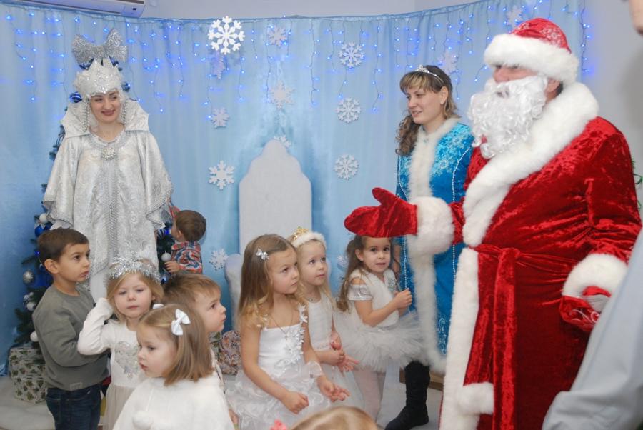 Напередодні Нового року в нашому садочку відбулася новорічна казка «СНІГОВА КОРОЛЕВА»